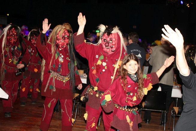 425247_1_fullwide_Karnevalssitzung_13